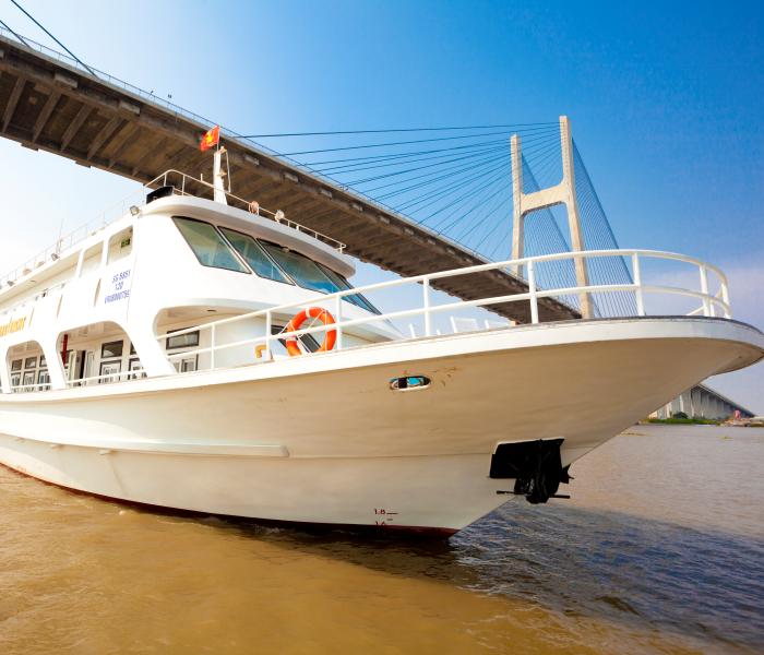 Dịch vụ cho thuê Du thuyền